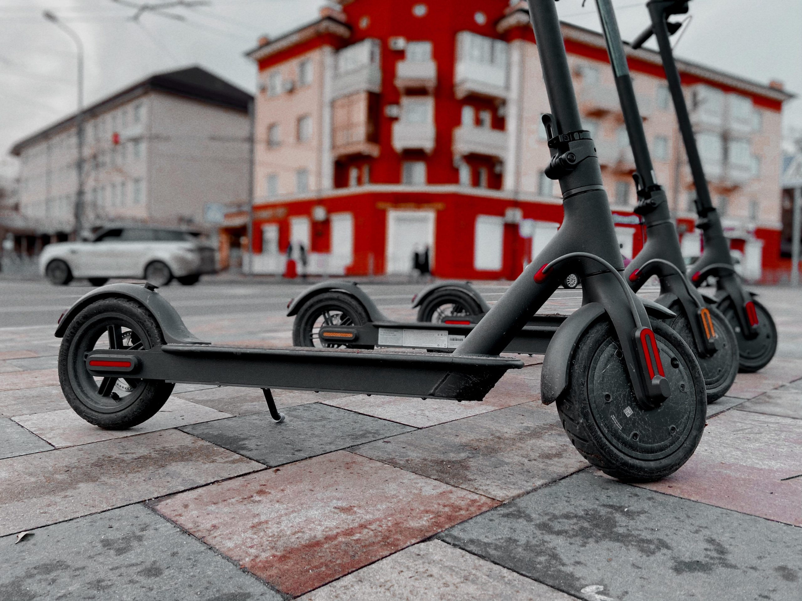 Tesla.scooter: прокат електросамокатів у Маріуполі
